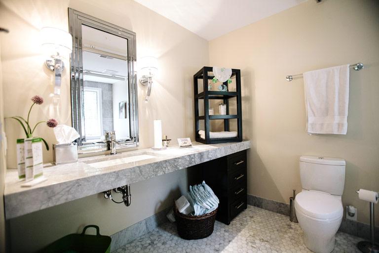 Benets-Bathroom-IMG_9597_webready