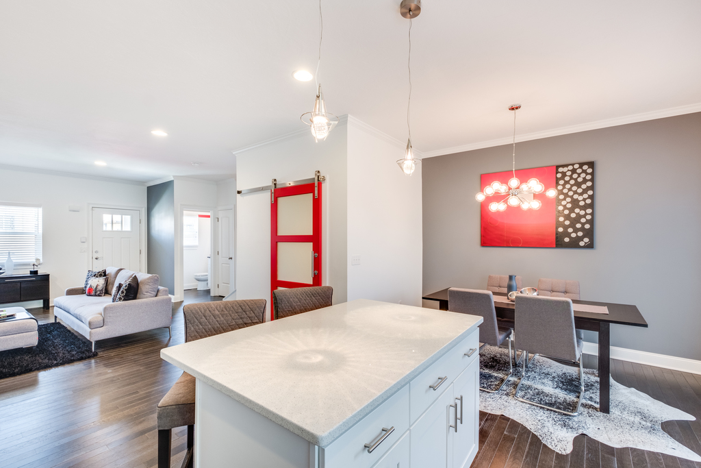 Duplex-Style Townhome 07