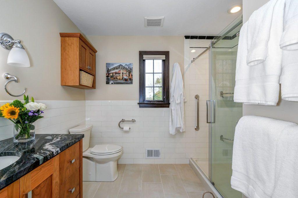 handicap-accessible-bathroom-remodel